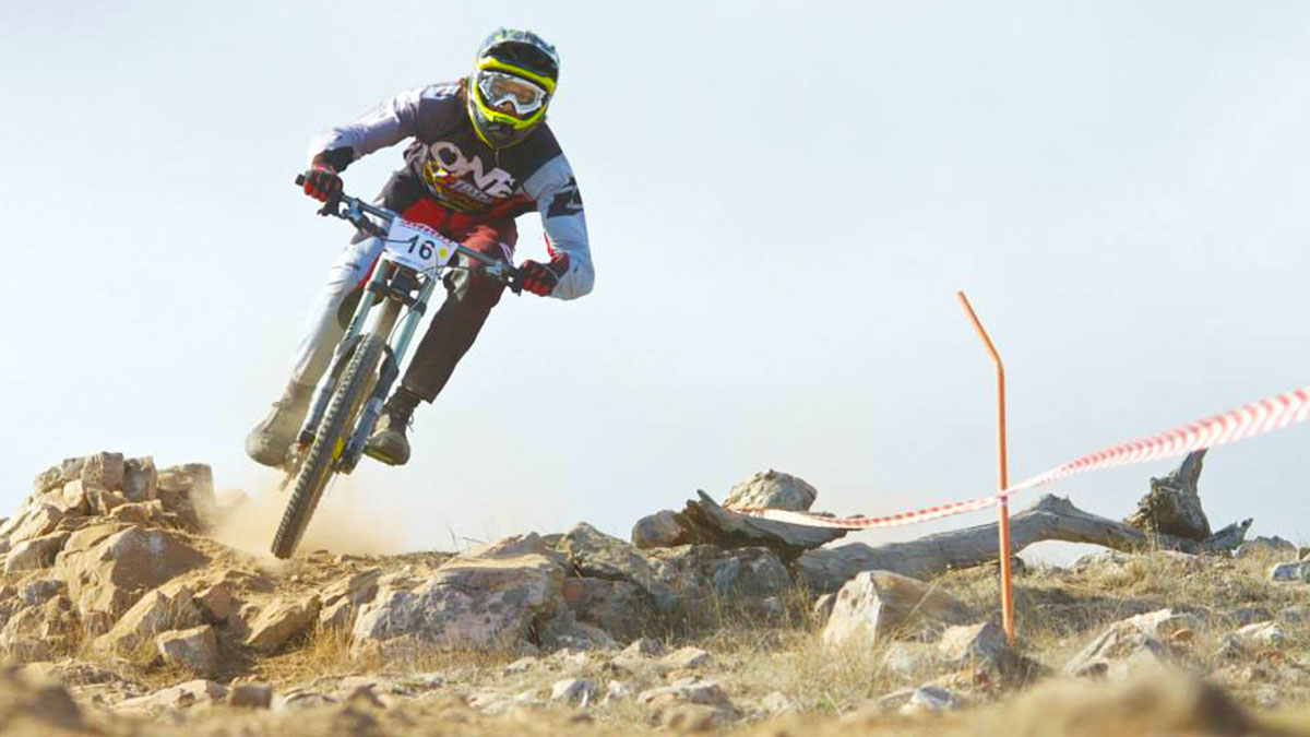 Tyson Schmidt during a downhill mountain bike race at Willunga